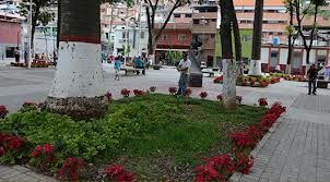 plaza boliv antimano